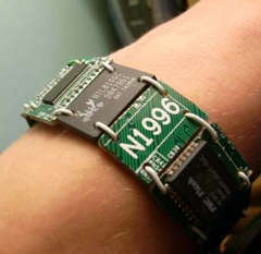 images/stories/Computer-Art-Reused/mainboard-Bracelet.jpg