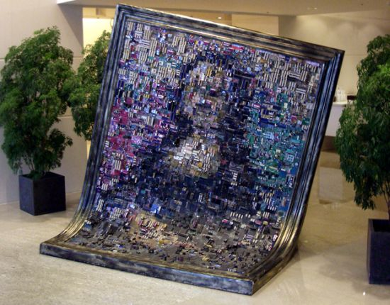 images/stories/Computer-Art-Reused/mono-lisa-from-motherboards-and-chips.jpg