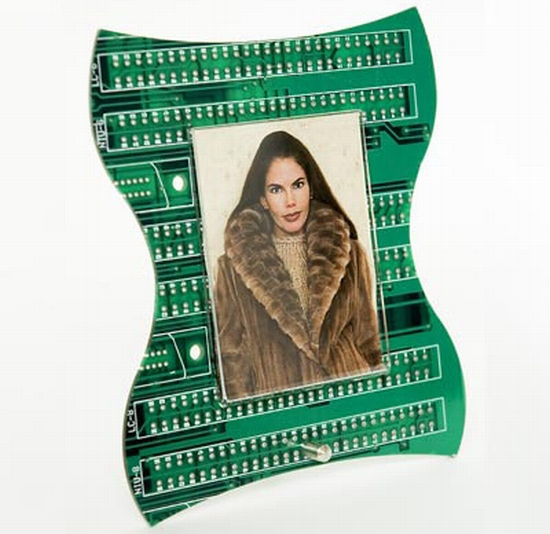images/stories/Computer-Art-Reused/photo-frame-from-recycled-circuit-board.jpg