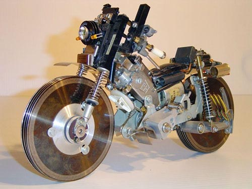 images/stories/Computer-Art-Reused/recycle-motorcycle-sculpture.jpg
