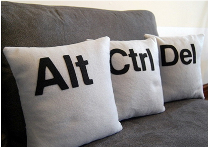 images/stories/Computer-Creative-Gadget/Ctrl-Alt-Del-Pillow.jpg