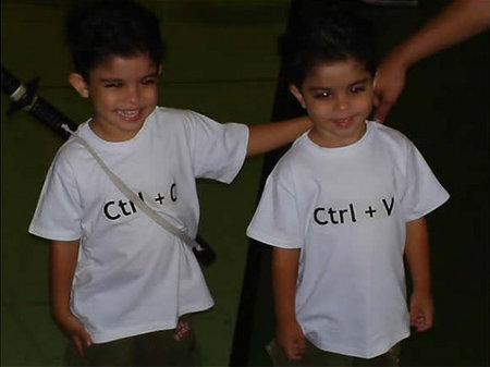 images/stories/Computer-Creative-Gadget/copy-paste-twins-halloween-mac-pc-2.jpg